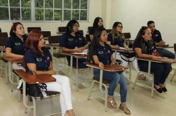 Estudiantes de la Universidad Tecnológica de Honduras visitan a la UTP para conocer y comparar planes de estudios de la carrera de Licenciatura en Marketing.