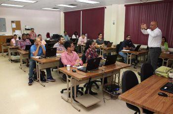 Empresarios de distintas áreas participan en el diplomado de gestión de MIPYMES.