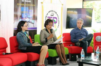 Los escritores, Ela Urriola y Marco Ponce Adroher, participaron en uno de los conversatorios de la Feria Literaria y Cultural de la UTP.