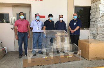 La donación la recibió el Dr. Johny Parra, Director Médico del Hospital.