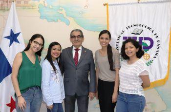 Las cuatro estudiantes participarán en cursos de la carrera de Ingeniería Ambiental.