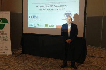 Ing. Erick Vallester,  docente de la FIC y coordinador de la RED en Panamá.