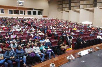 Facultad de Ingeniería Eléctrica hace su presentación a los estudiantes de primer ingreso