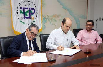 Firmó el convenio el Rector, Ing. Héctor Montemayor y el Gerente CEO de Hopsa, Licdo. Luis Porras Simons.