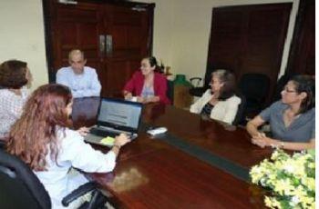 Dr. Gabriel Ascanio en reunión con el personal de la Vicerrectoría Académica de la UTP , autoridades de la FIM y miembros de SENACYT