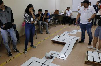 UTP Veraguas realiza competencia de Robótica.