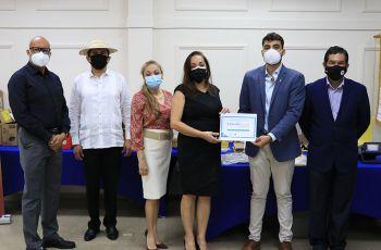 Acto de Donación del  PNUMA a la UTP.