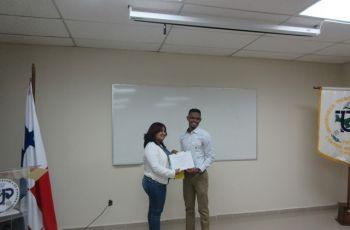 Jorge Jiménez, quien cursa el primer año de la Carrera Operaciones Marítimas y Portuarias de la Facultad de Ingeniería Civil.