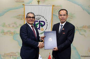 UTP firma convenio con la Universidad de Hohai China.
