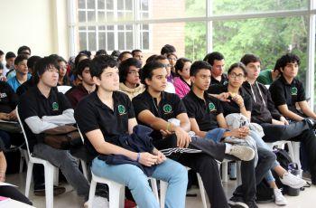 Esta Carrera de Ingeniería, cuya duración son cuatro años y medio, cuenta actualmente con 340 estudiantes.
