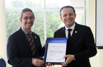 Ambos Directores presentan a la comunidad Universitaria la Plataforma Aplem.