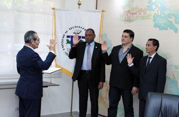 El Rector juramentó a las tres nuevas autoridades.