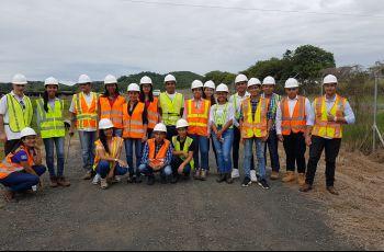 Grupo de estudiantes del Centro Regional de Coclé visitan Planta Fotovoltaica de Paris en la Provincia de Herrera