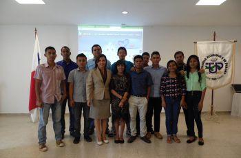 Estudiantes de III año de la Carrera de Licenciatura en Desarrollo de Software.