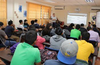 Estudiantes y docentes de UTP Veraguas interesados por los temas presentados.