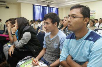 Al seminario asistieron estudiantes, docentes y público en general.