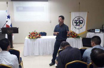 Dr. Octavio García Valladares, especialista mexicano en energía solar.