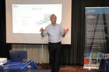 El Dr. Roberto Saracco, dictó la conferencia.