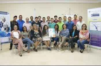 Participantes en el Taller La Discapacidad Visual Asistida por Herramientas Electrónicas e Informáticas.