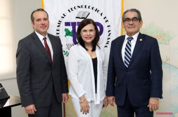 Vicepresidente de College Board para Latinoamérica visita al Rector Montemayor.