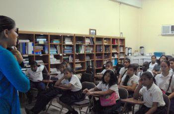 A los estudiantes se les hizo una presentación de equipos y proyectos.