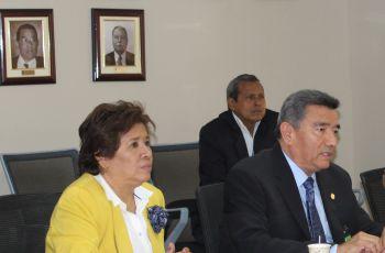 El Rector de la UTP hizo la presentación, en conjunto con la Vicerrectora Administrativa.