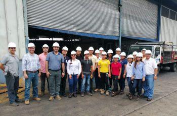 Estudiantes de quinto año de Ingeniería Industrial del Centro Regional de Coclé.