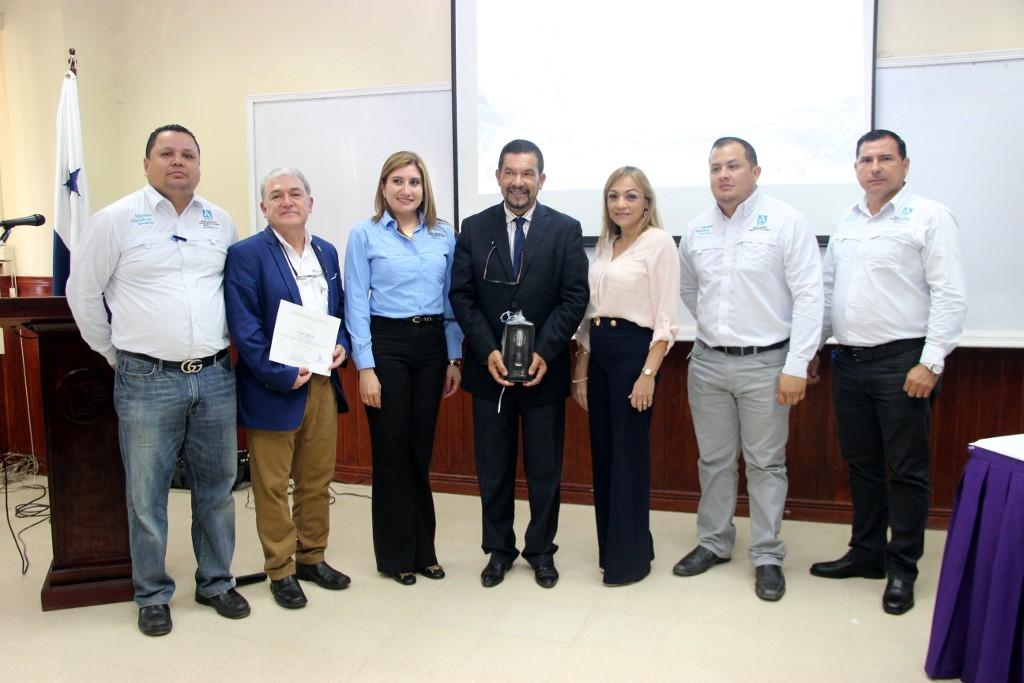 Aquatec ofreció ciclo de conferencia a estudiantes, docentes e investigadores de la UTP